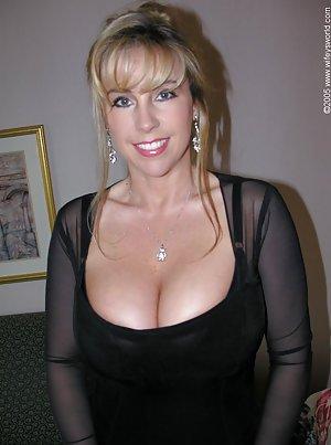 Big Tits Amateur Porn Pics